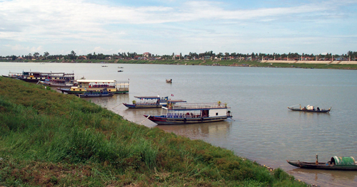 Cambodia: Tonie Sap River Tour Boats